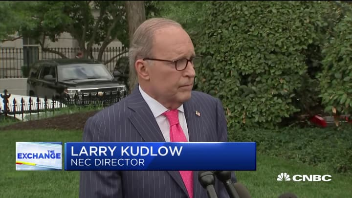 Kudlow: No comment on report White House considering demoting Powell