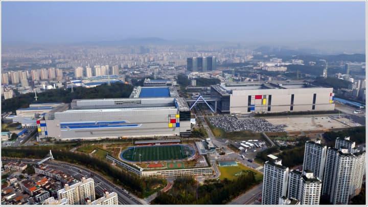 We went inside Samsung's global headquarters in South Korea