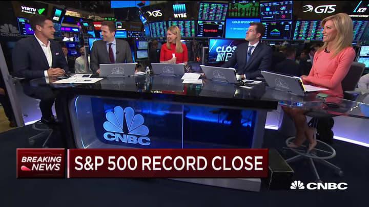 S&P 500 closes at a record high