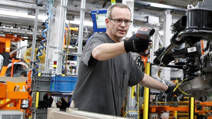 Manufacturing sector contracts for the first time in nearly a decade