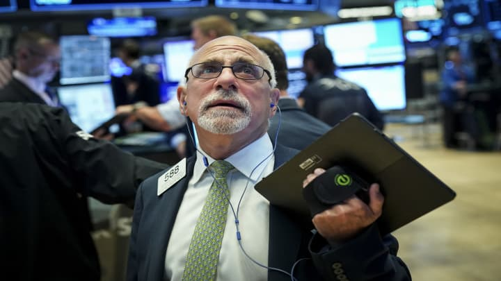 Stocks waver as recession fears ease—Four experts on what to watch