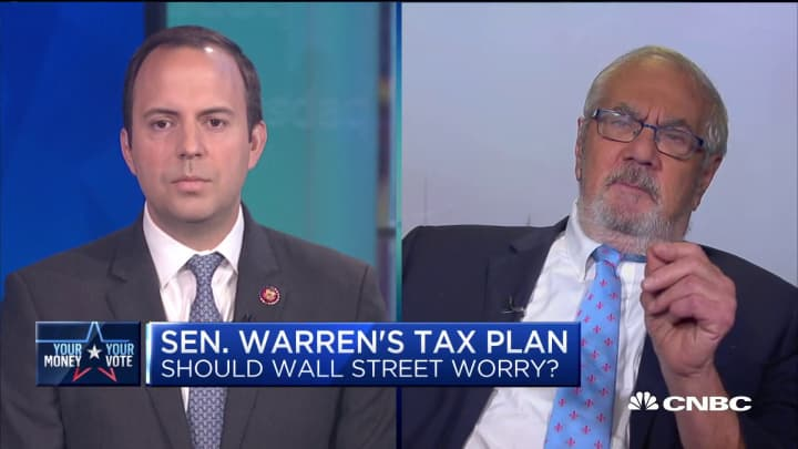 Former Congressman Barney Frank and Rep. Lance Gooden debate federal budget