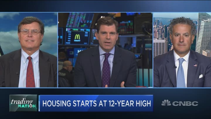 As homebuilding hits 12-year high, experts warn construction stocks may lose steam
