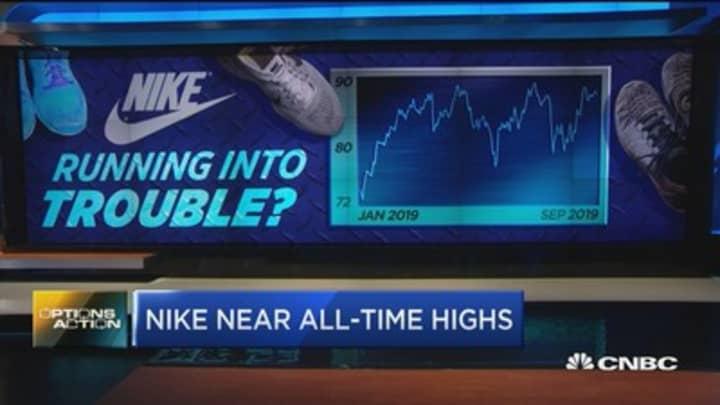Bench Nike ahead of earnings?