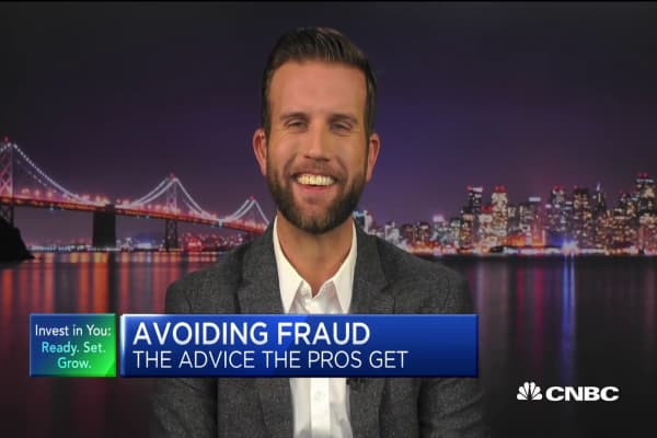 A certified fraud examiner lays out three big investing red flags