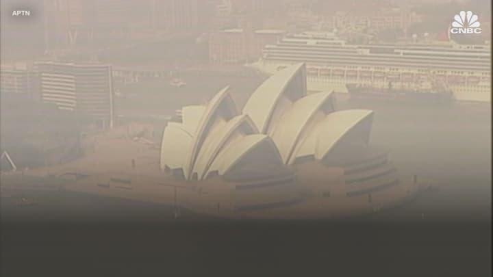 Sydney, Australia, faces smog rated 11 times typical 'hazardous' level